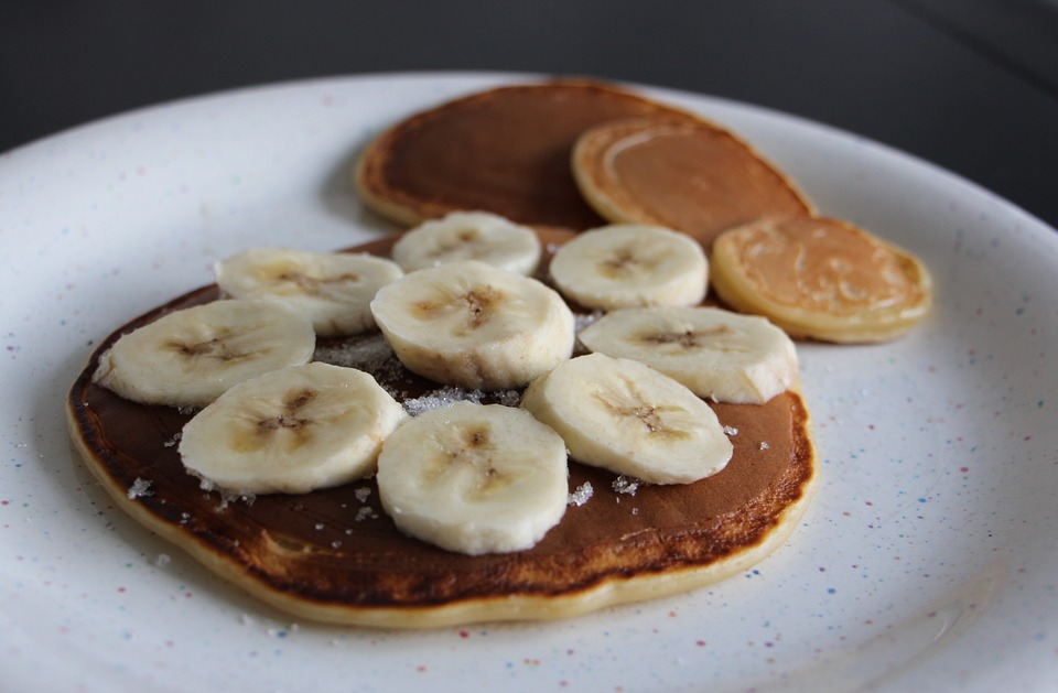 The Healthiest Pancakes EVER (and Only 3 Ingredients!)